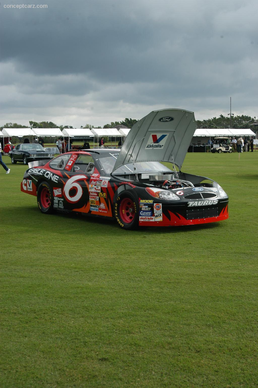1998 ford nascar taurus
