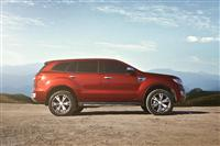 2015 Ford Everest image.