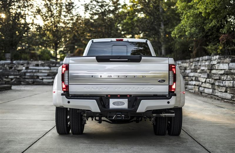 2018 Ford F-Series Super Duty Limited Image. Photo 14 of 15