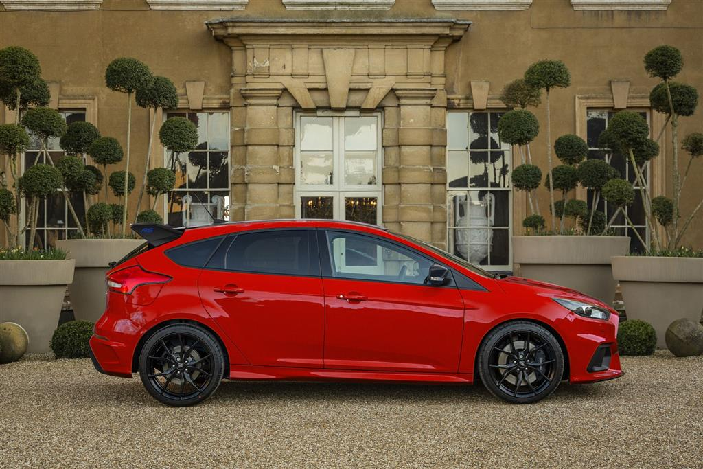 2018 ford focus rs red edition news and information. Black Bedroom Furniture Sets. Home Design Ideas