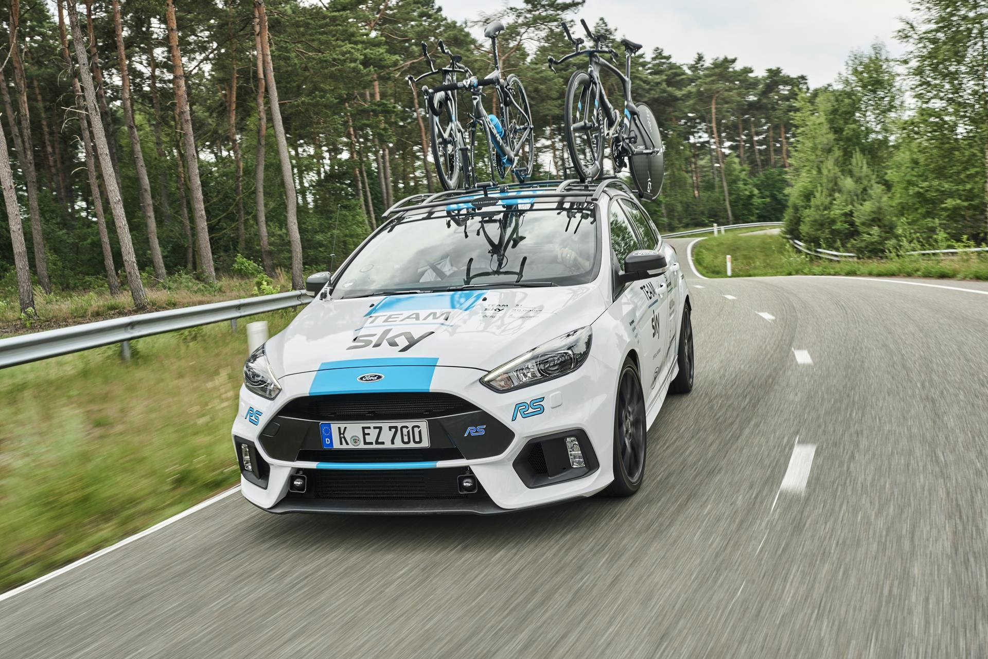 2017 Ford Focus RS Team Sky