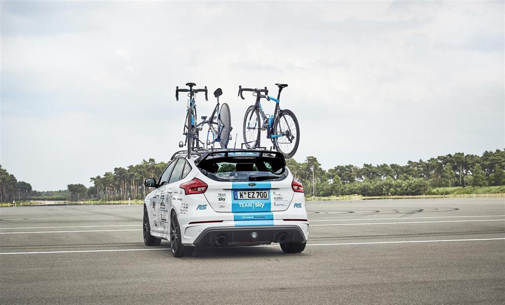 2017 Ford Focus RS Team Sky