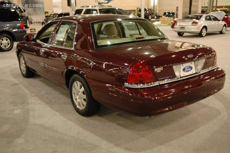 Ford Crown Victoria History Pictures Value Auction Sales Research And News