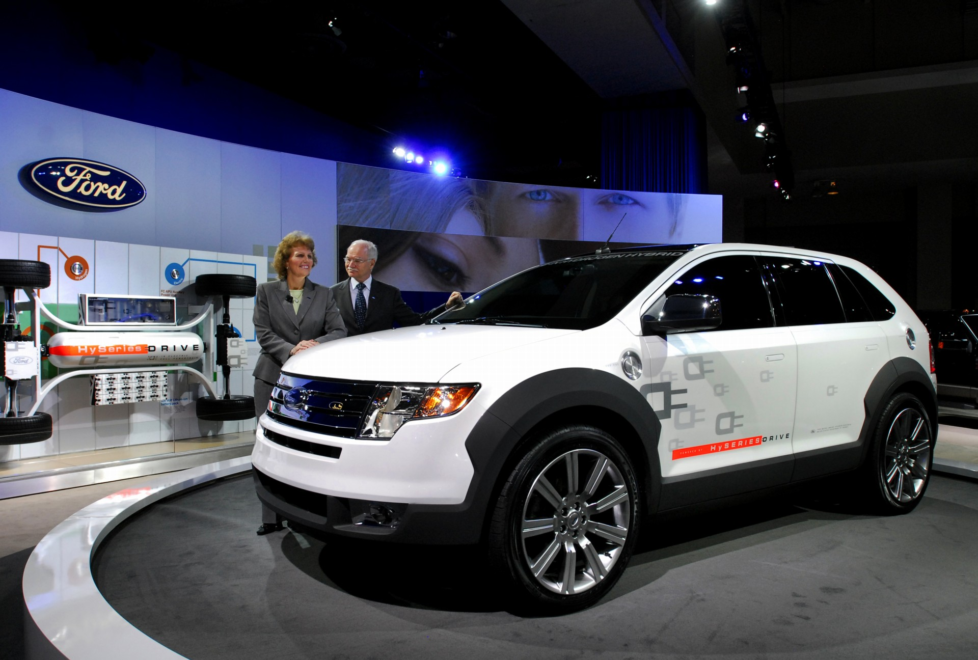 Ford Edge Hyseries Drive History Pictures Value Auction Sales Research And News