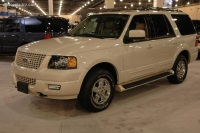 2006 Ford Expedition image.