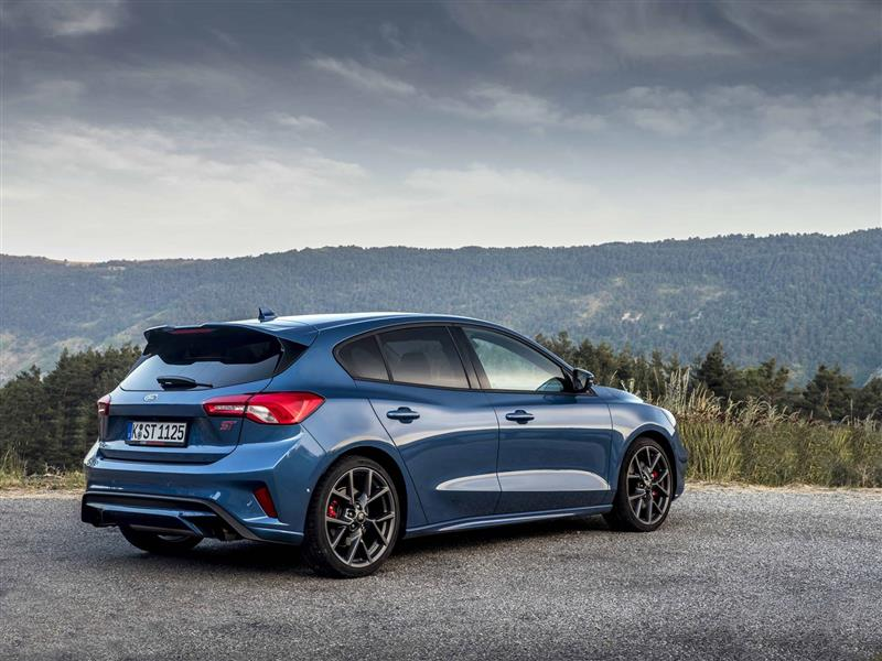 2020 Ford Focus St Image Photo 14 Of 33