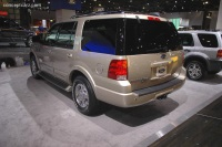 2005 Ford Expedition image.