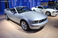 2007 Ford Mustang image.