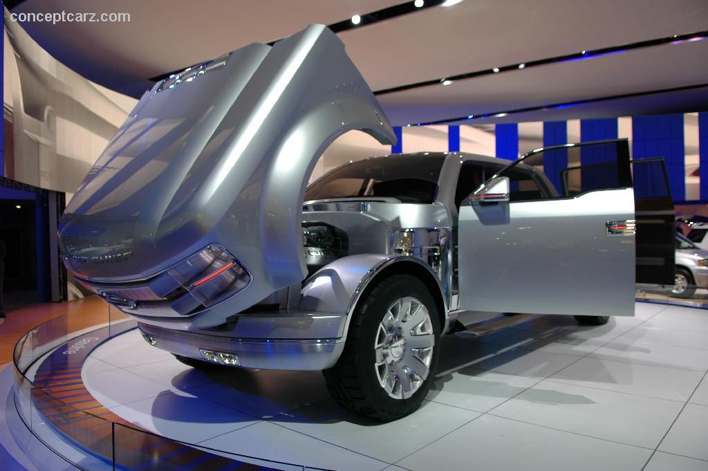 2006 Ford F250 Super Chief Concept Image. Photo 31 of 42