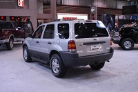 2003 Ford Escape image.