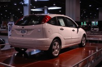 2003 Ford Focus image.