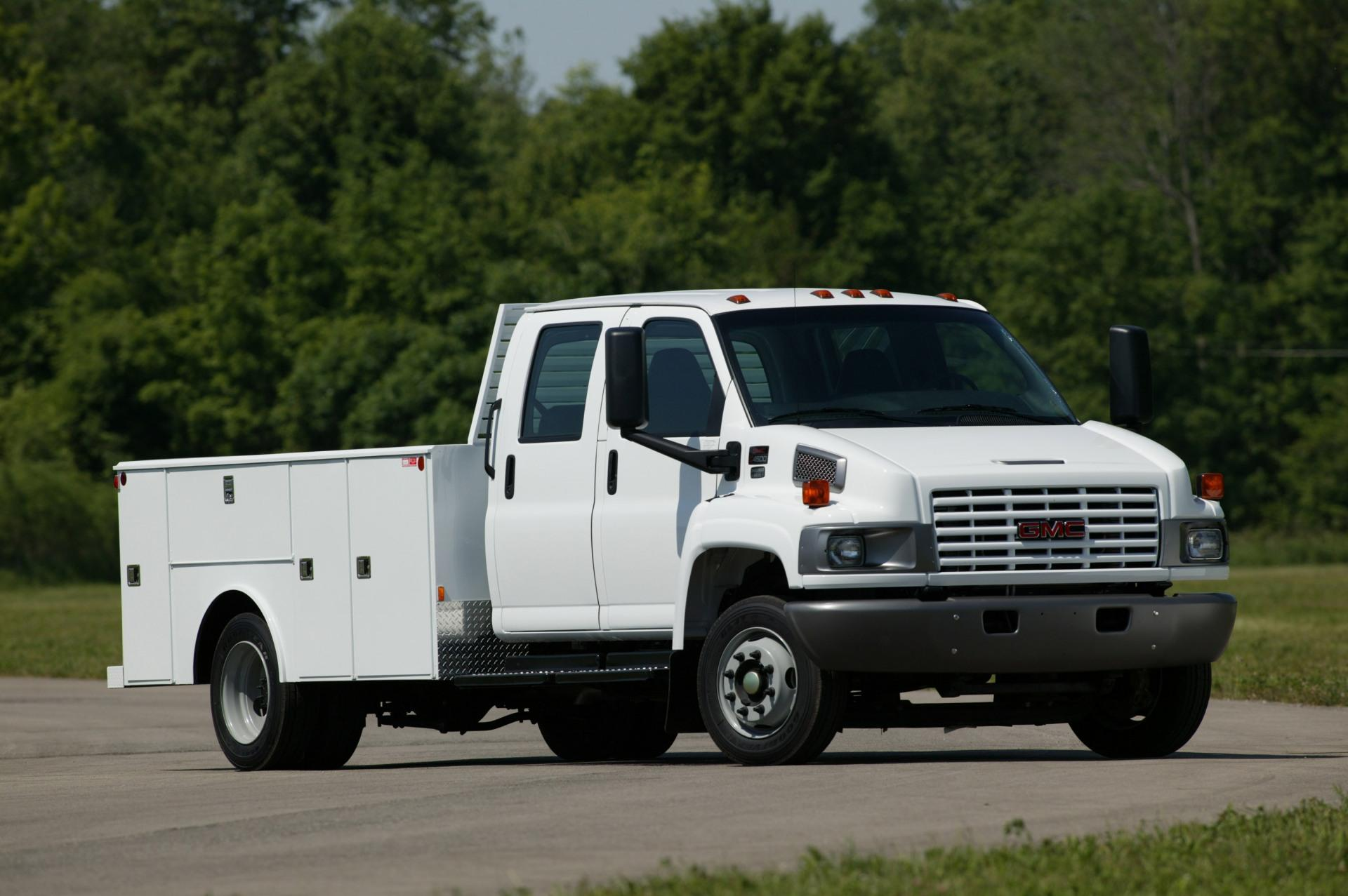 Chevy 5500 Hd >> 2003 GMC TopKick Pictures, History, Value, Research, News - conceptcarz.com