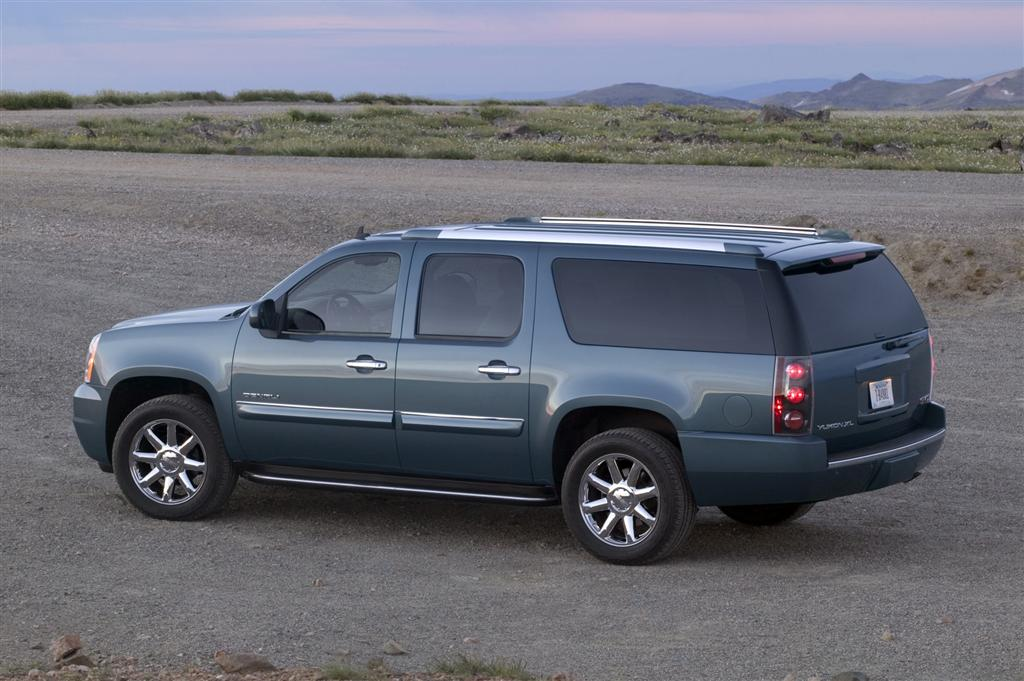 2011 GMC Yukon News and Information - conceptcarz.com