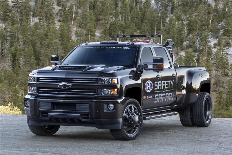 2017 GMC Sierra 3500HD NHRA Safety Safari SEMA Concept