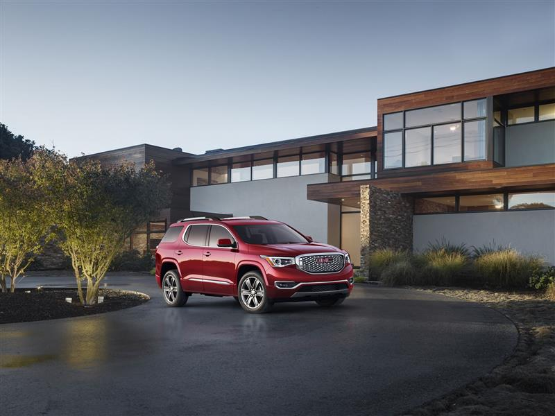 GMC Acadia Denali pictures and wallpaper