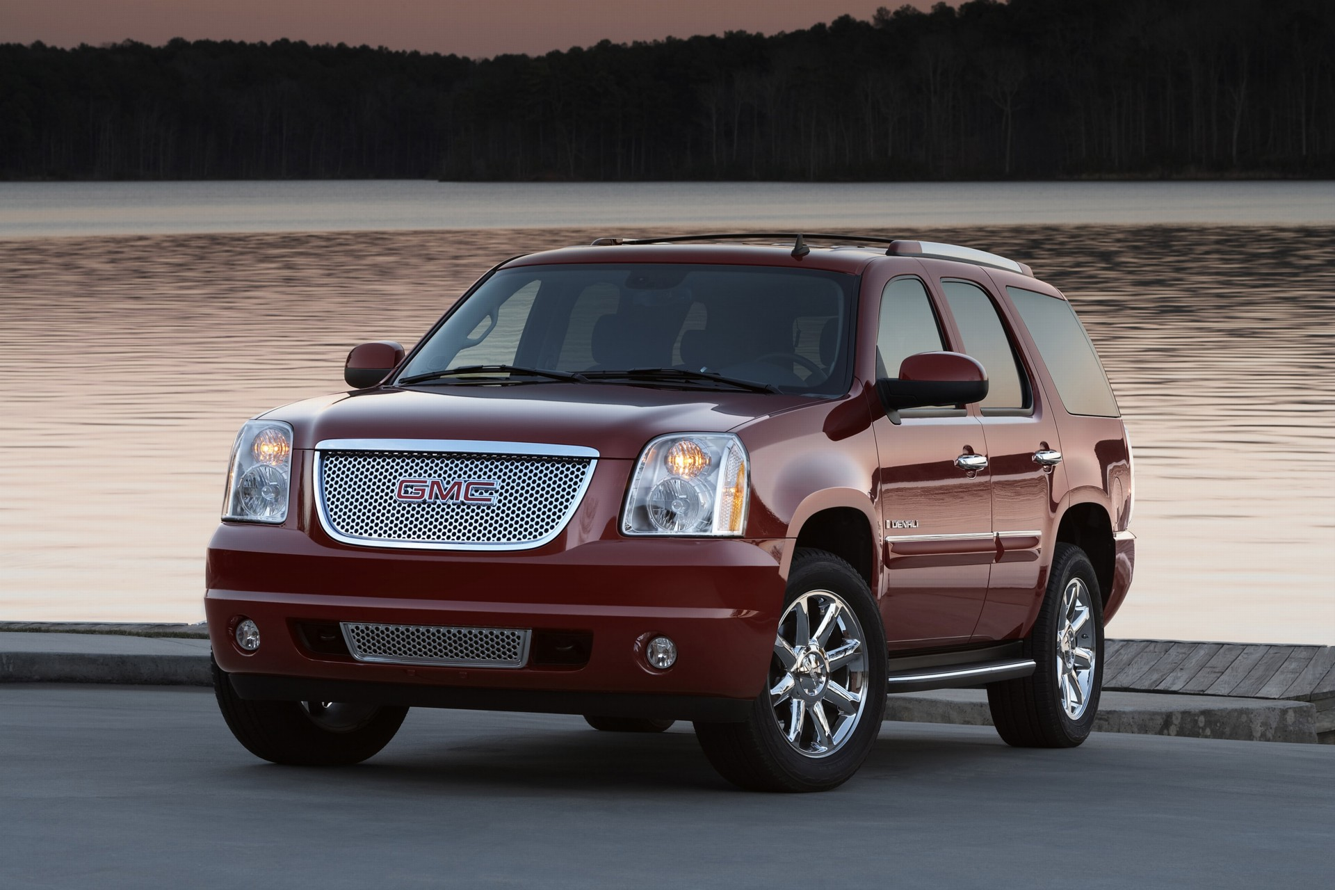 Gmc Denali N >> 2007 GMC Yukon Denali History, Pictures, Value, Auction Sales, Research and News
