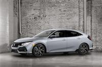 2017 Honda Civic Hatchback image.
