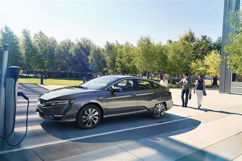 Honda Clarity Plug-In Hybrid pictures and wallpaper