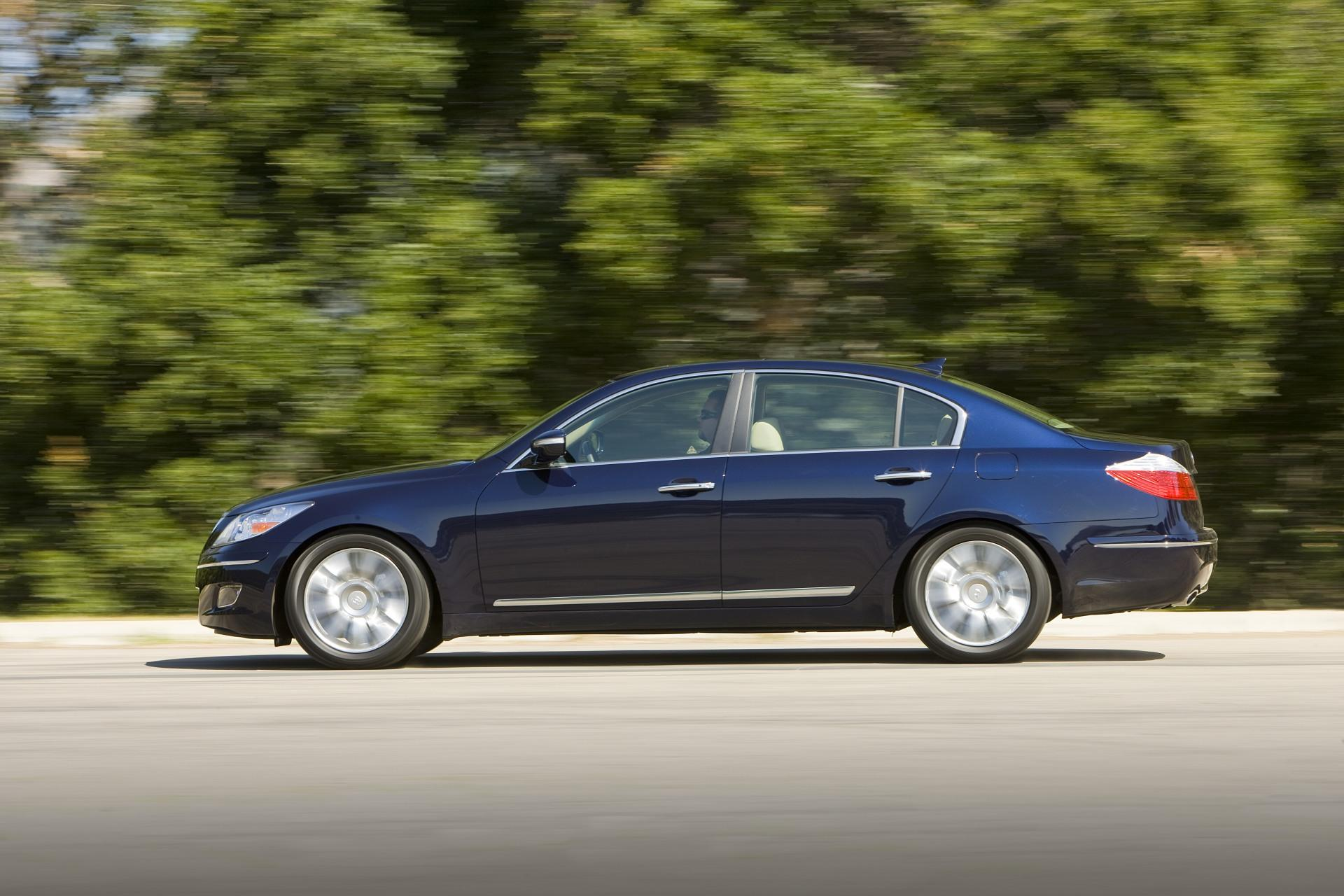 Genesis Auto Sales >> 2011 Hyundai Genesis News and Information | conceptcarz.com