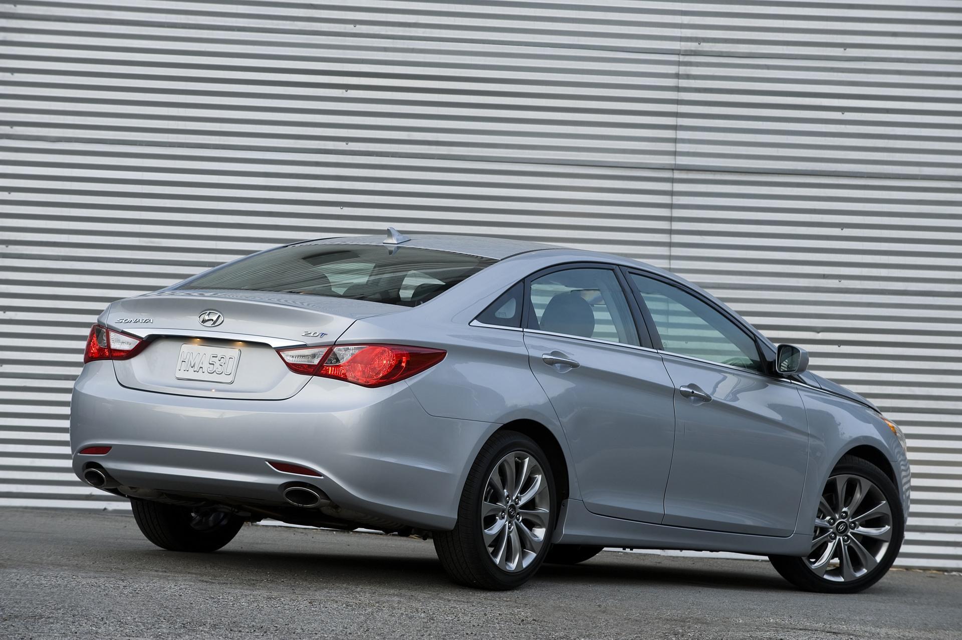 Hyundai Sonata: 3. Exhaust emission control system