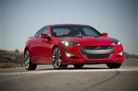 2013 Hyundai Genesis image.