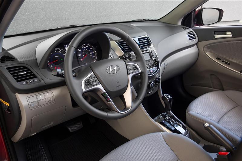 2015 Hyundai Accent Image. Photo 7 of 30