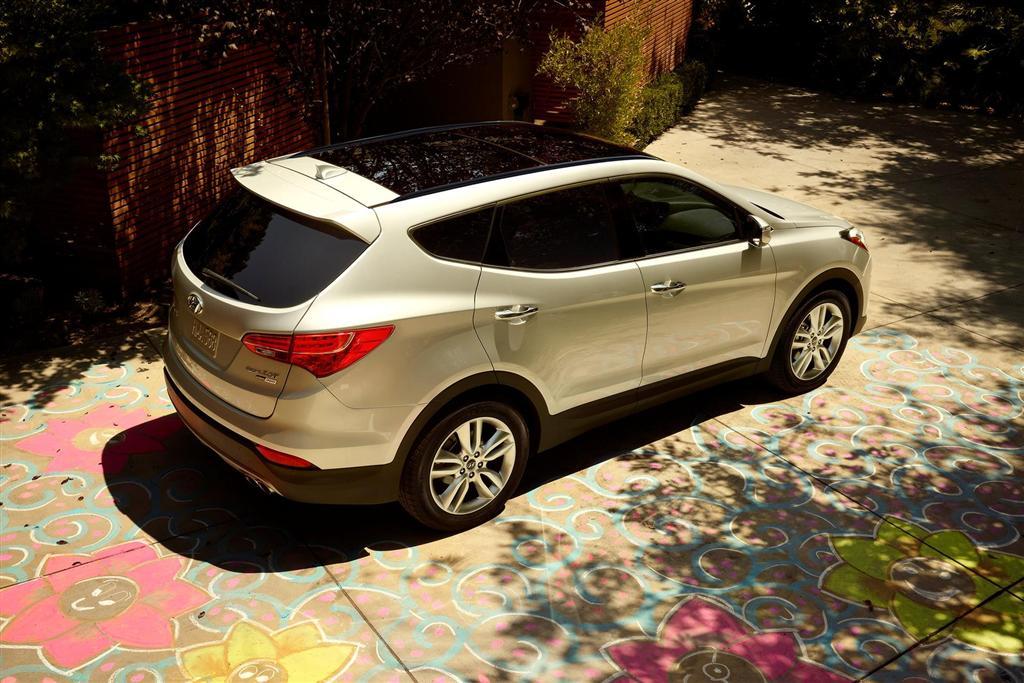 s santa sport and awd review car driver hyundai test reviews original fe photo