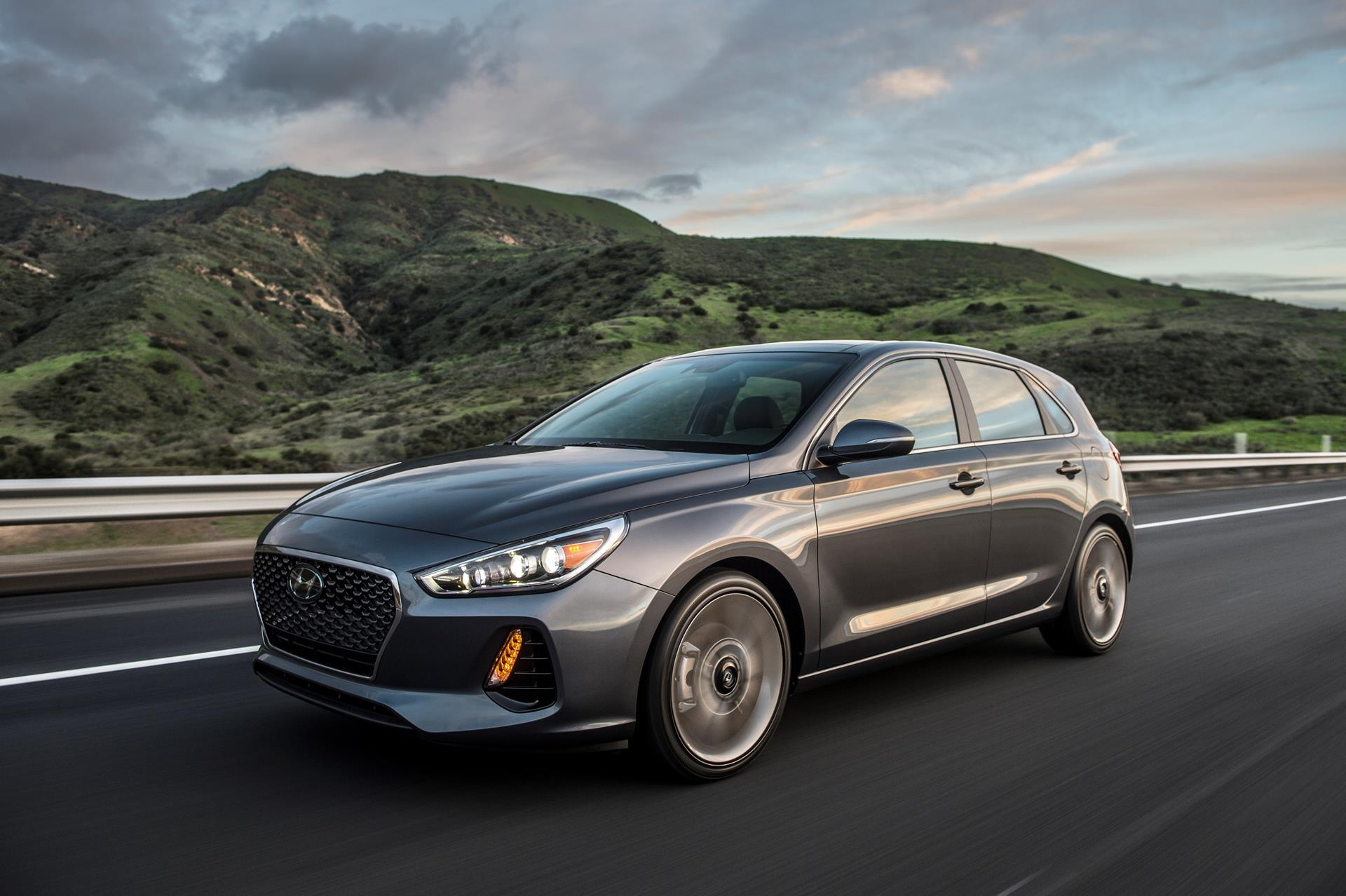 2018 Hyundai Elantra Gt News And Information Conceptcarz Com