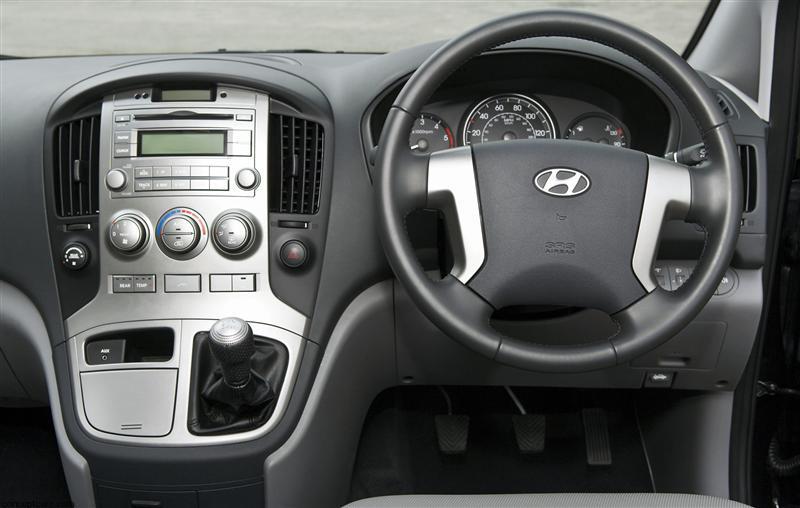 2011 Hyundai i800