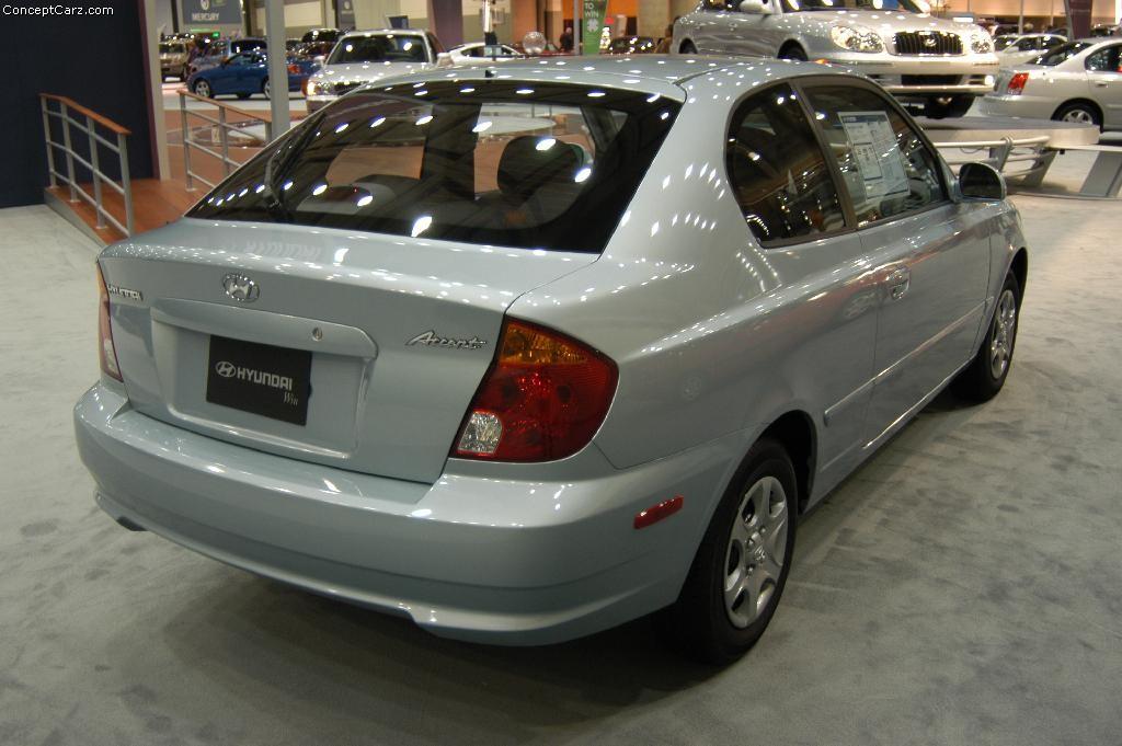 2004 Hyundai Accent Image Https Www Conceptcarz Com