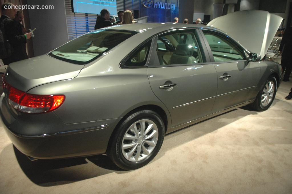 2006 Hyundai Azera History, Pictures, Value, Auction Sales ...