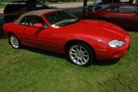 2000 Jaguar XK8 image.