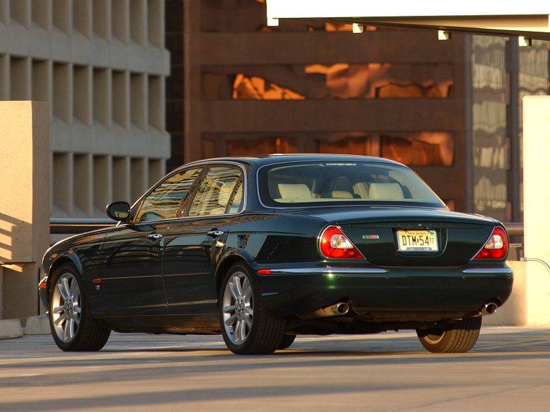 Delightful 2004 Jaguar XJR