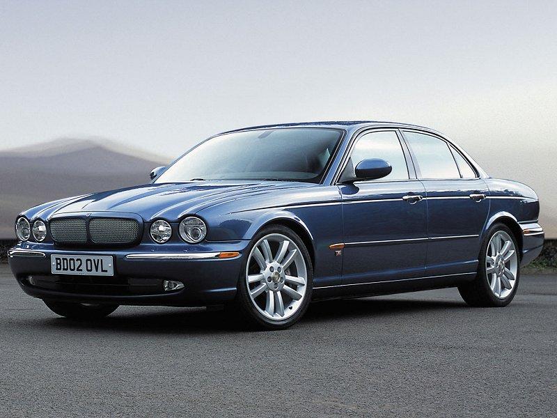 2004 Jaguar XJR Thumbnail Image