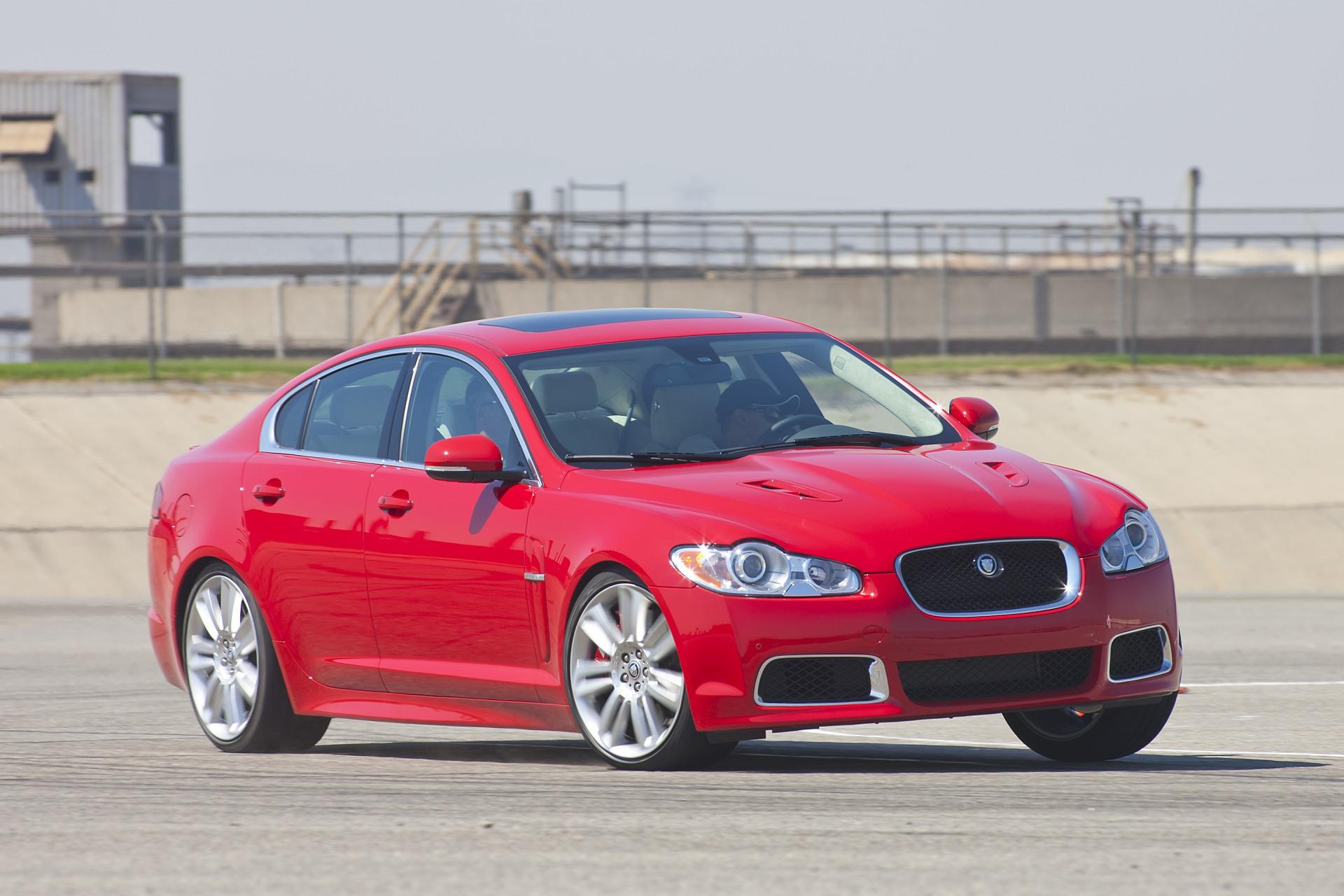 jaguar xf sv8 price guide