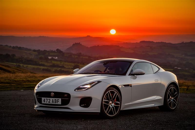 Jaguar F-Type Chequered Flag pictures and wallpaper