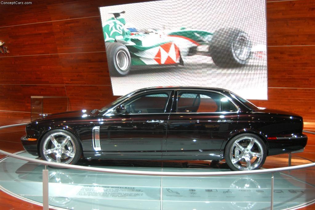 2004 Jaguar Concept Eight Image. Photo 30 of 31