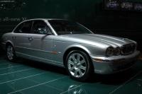 Popular 2003 Jaguar XJ8 Wallpaper