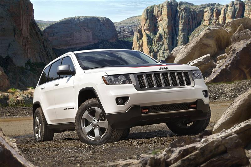 2013 jeep grand cherokee trailhawk news and information. Black Bedroom Furniture Sets. Home Design Ideas