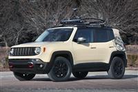2015 Jeep Renegade Desert Hawk image.