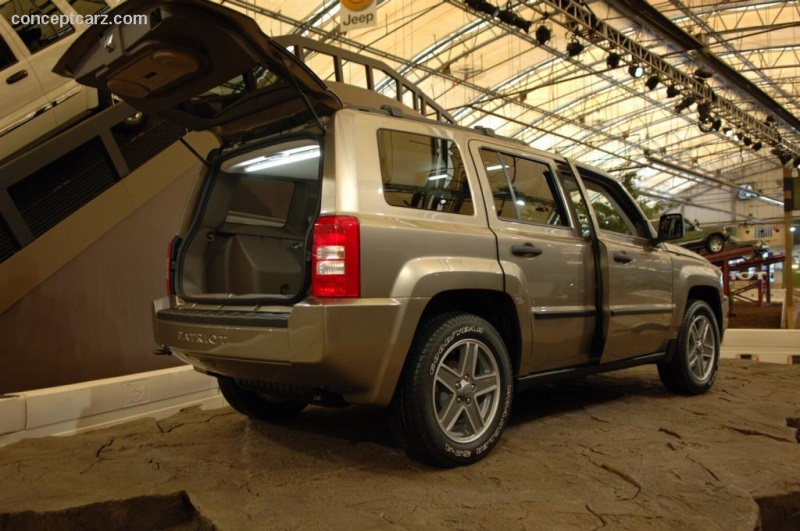 2005 Jeep Patriot History Pictures Value Auction Sales Research