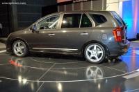 2008 Kia Rondo SX image.
