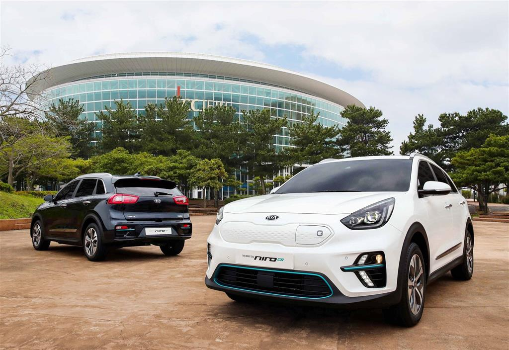 2018 kia niro ev news and information research and history. Black Bedroom Furniture Sets. Home Design Ideas