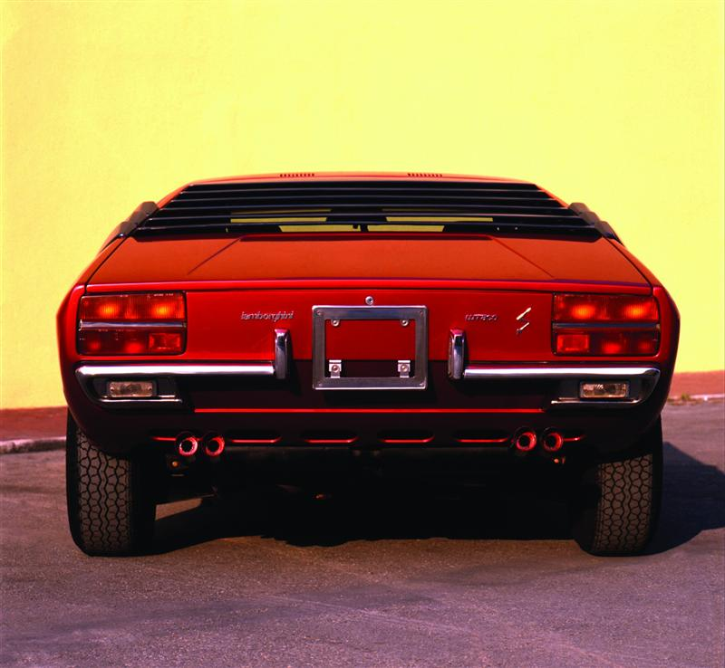 https://www.conceptcarz.com/images/Lamborghini/1927-75-Lamborghini-Urraco-Image-03-800.jpg