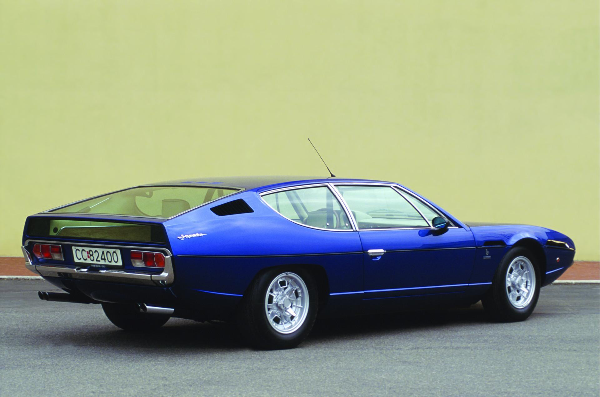 https://www.conceptcarz.com/images/Lamborghini/1968-Lamborghini-Espada-Coupe-Image-06.jpg
