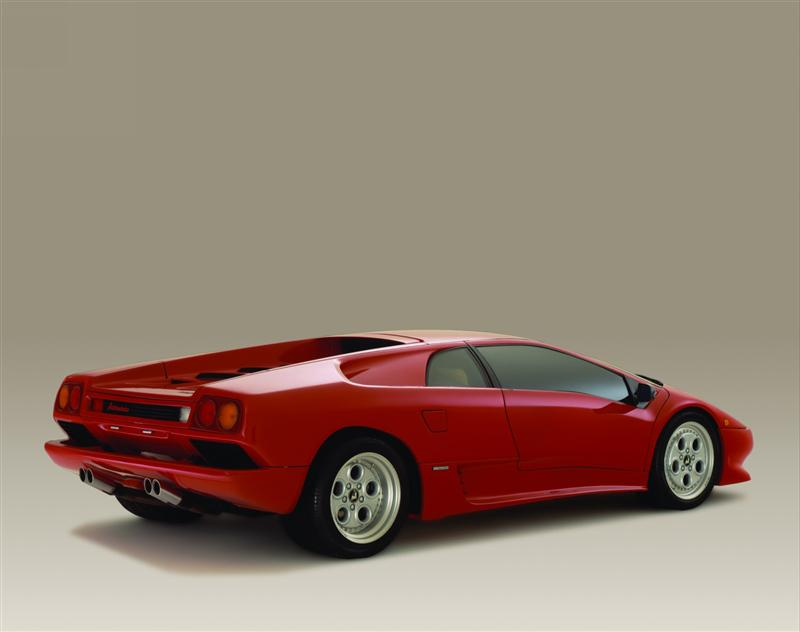 https://www.conceptcarz.com/images/Lamborghini/1990-Lamborghini-Diablo-Coupe-04-800.jpg