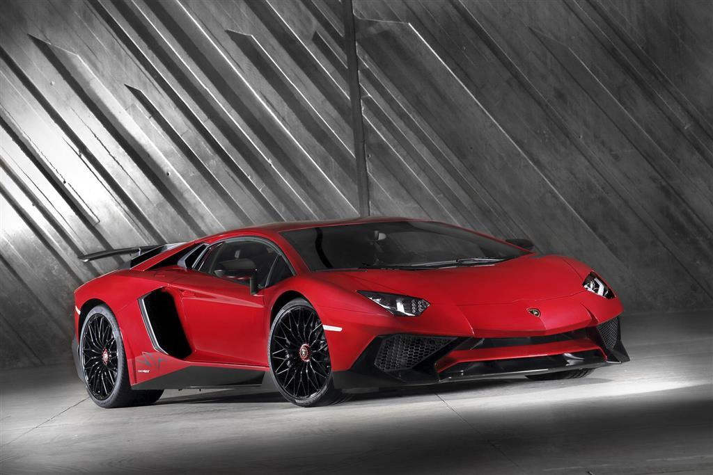 Lamborghini Aventador pictures and wallpaper