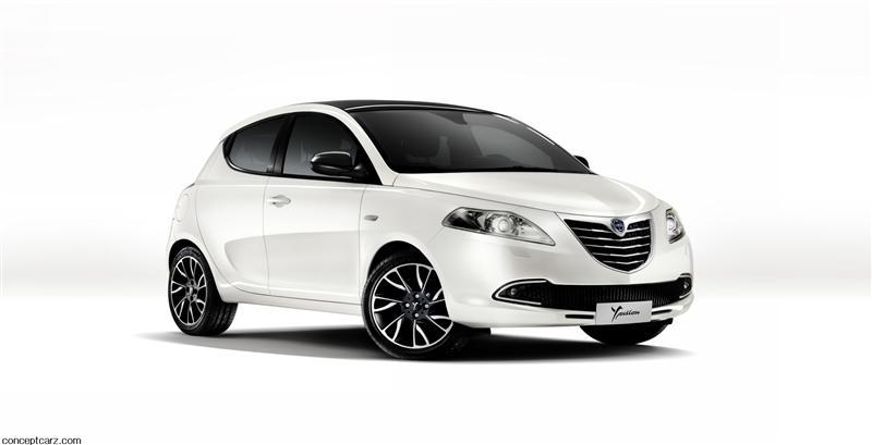https://www.conceptcarz.com/images/Lancia/2012-Lancia-Ypsilon-Image-01-800.jpg