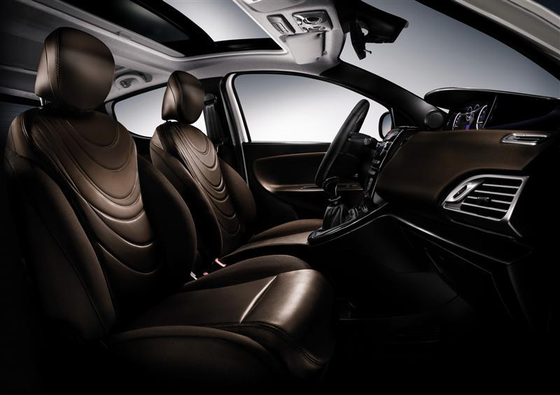 https://www.conceptcarz.com/images/Lancia/2012-Lancia-Ypsilon-Image-i01-800.jpg