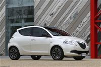 Popular 2011 Lancia Ypsilon Wallpaper